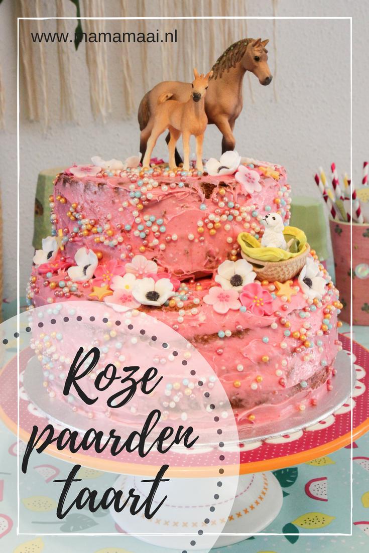 Uitdaging om een makkelijke verjaardagstaart voor een meisje in elkaar te zetten en het werd deze roze paardentaart.
