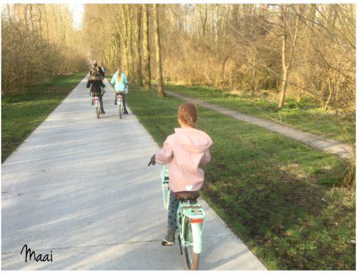zelf naar huis fietsen, kind in verkeer, verkeersregels leren
