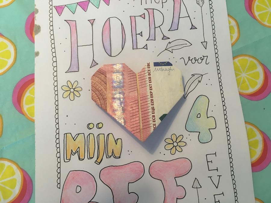 Geld in een hartje vouwen, DIY hartje van briefgeld, origami