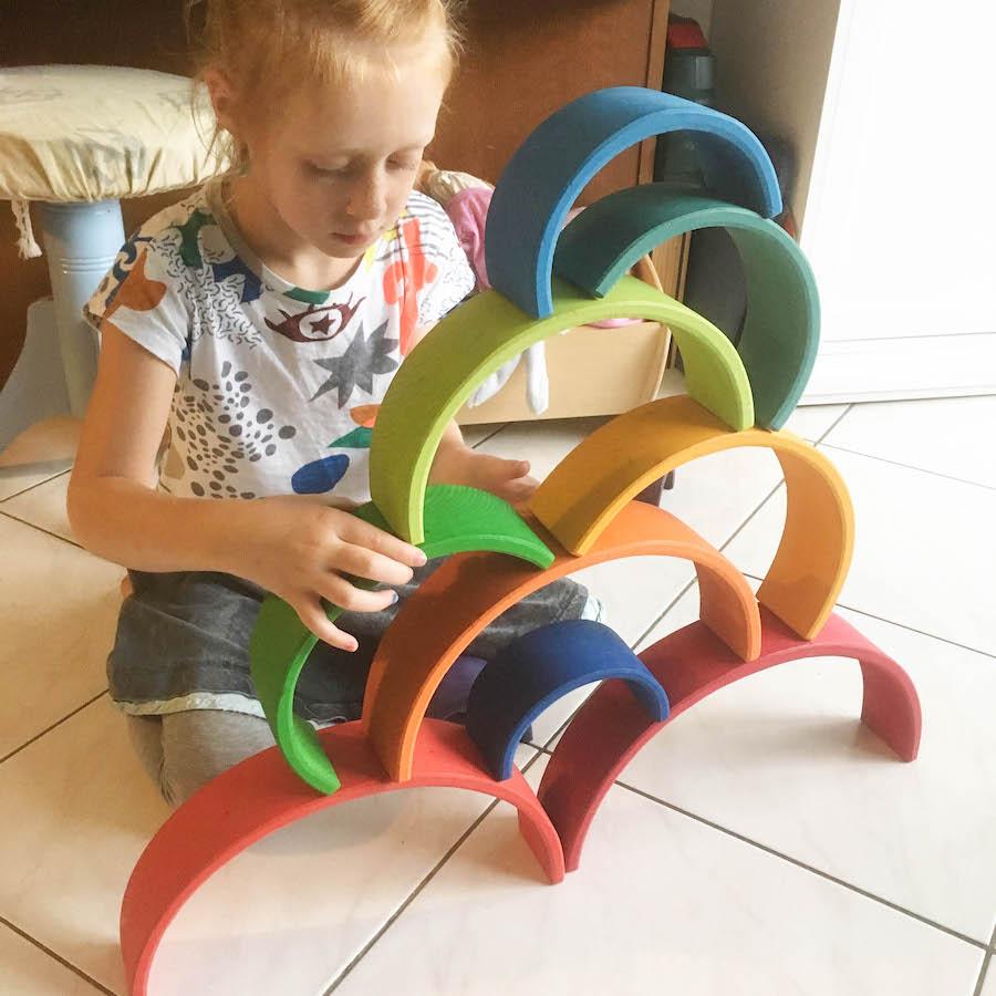 regenboog Grimm's, houten speelgoed, houten regenboog, waldorf, open einde speelgoed