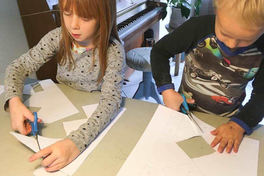 kerstkaarten knutselen, christmas craft, sfeerhuisjes, knutselen met papier
