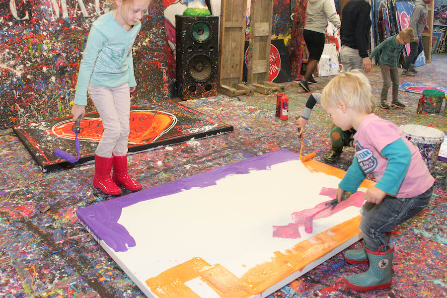 jacksart, gezinsschilderij, uitje met Kinderen, creatief, zelf maken, verven, schilderen, dagje weg met kinderen, leuk uitje, art, familiekunst, making of familiekunst