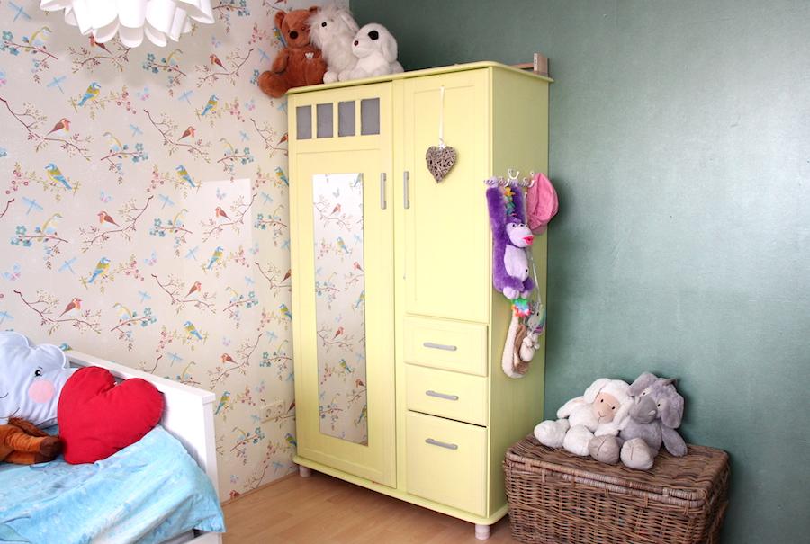 grote meiden kamer, kinderkamerstyling, tienerkamer, make over kinderkamer, kast geel verven, meubels pimpen, gele kast