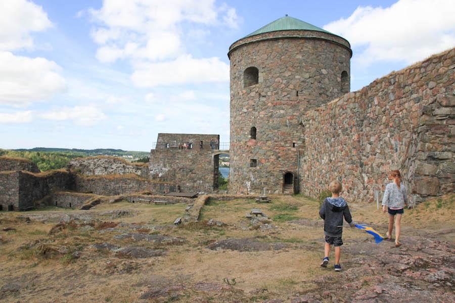 rondreis met kinderen, familiereis, vakantie Zweden, pgaros reizen, Dals Langed,, Götenborg, kasteelruine