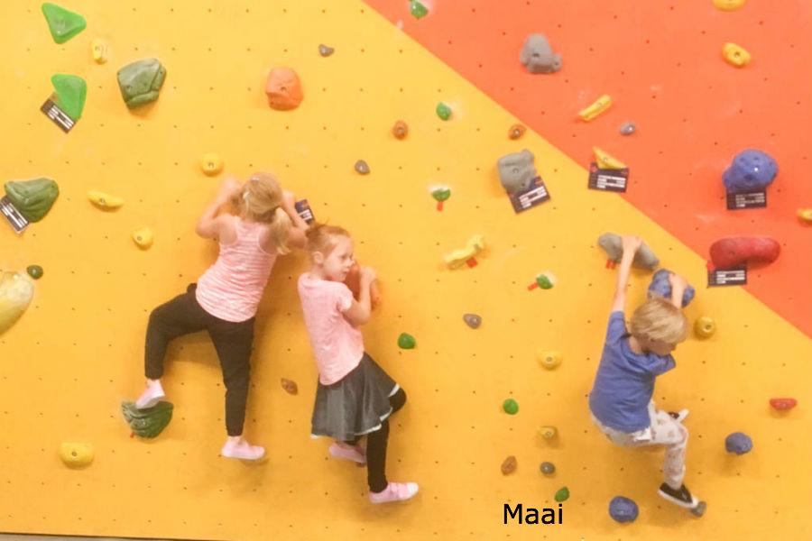 kinderfeestje, stoer kinderfeestje, klimmen, boulderen kinderen, boulderhal