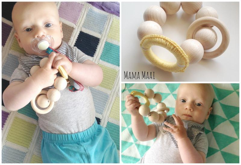 DIY babyspeelgoed, houten kralen speelketting, bijtring, kraamcadeautje maken