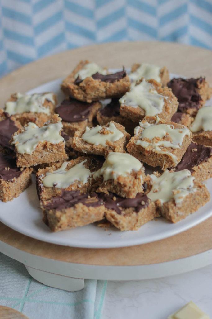 DIY Mueslirepen met noten en chocola zonder oven