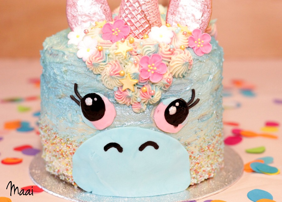 unicorn cake, eenhoorn taart, regenboog cake, taart meisje,